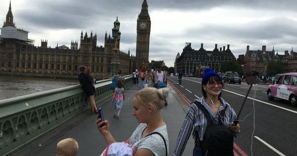 London Bridge Selfies